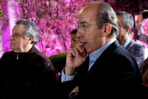 Calderón se sube en la crisis