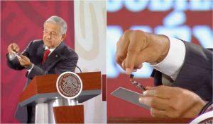 López Obrador muestra cámara e