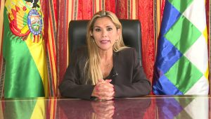 Bolivia expulsa a embajadora d