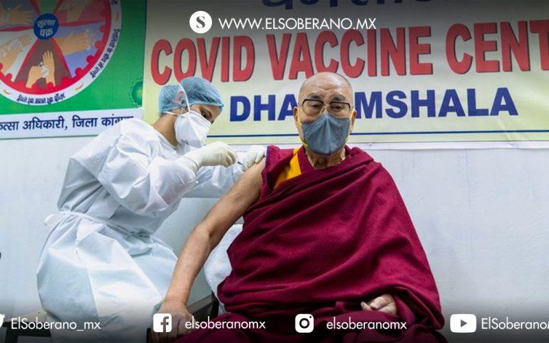 Dalai Lama se vacuna contra Co